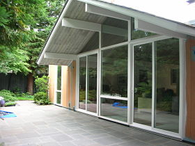 webassets/Eichler_Windows_opt.jpg